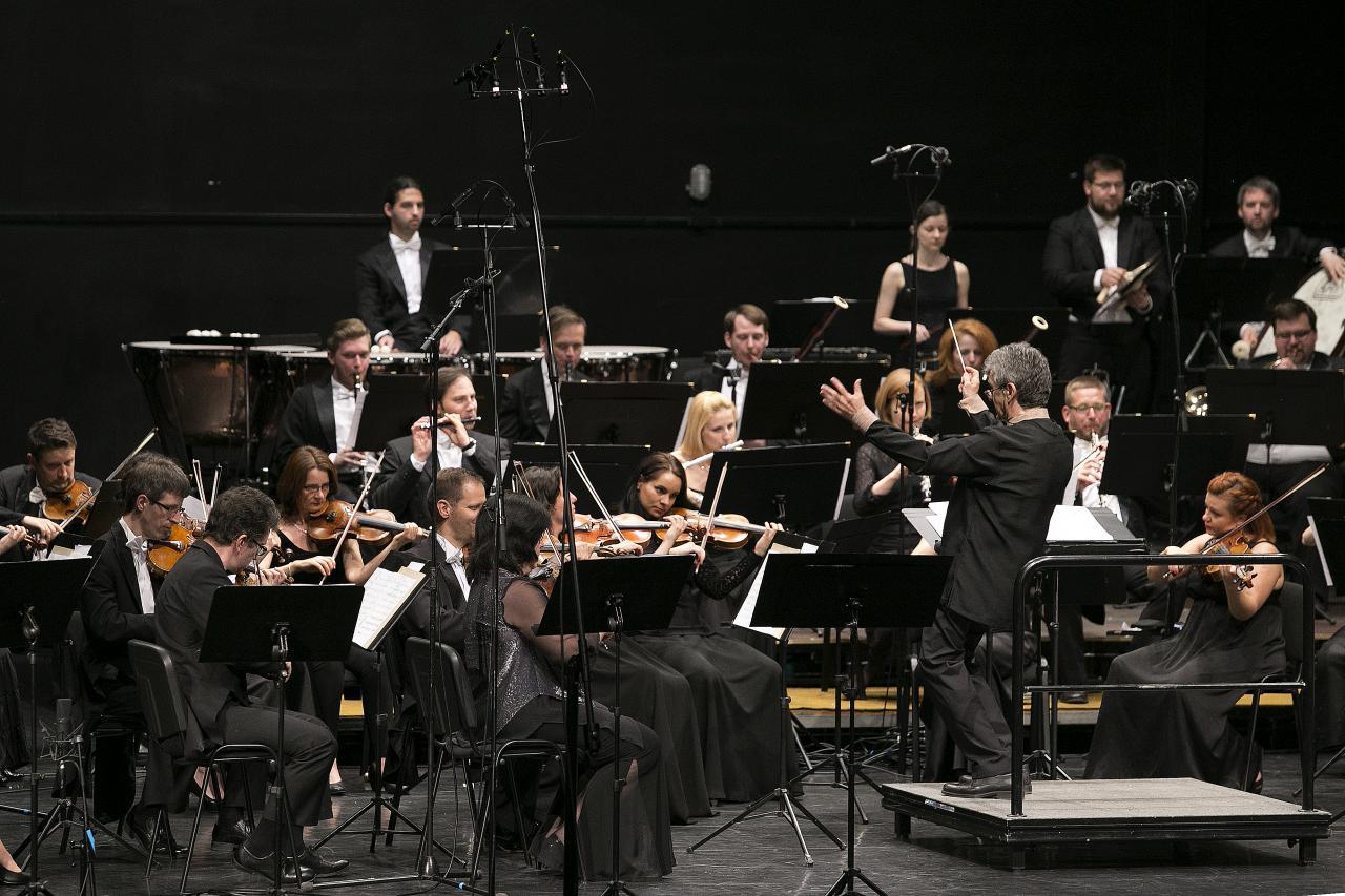 Teltházas koncerttel nyílt meg a tavaszi fesztivál